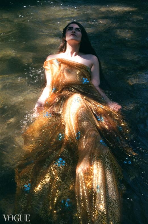 River light Aug 06, 2012 2012 Vogue Italia-Francis A Willey Lady Iliad
