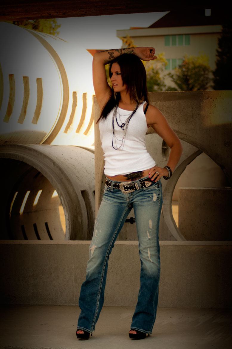 Female model photo shoot of ElizabethSK by K and E Visuals