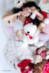 http://photos.modelmayhem.com/photos/120809/18/502469f5db625_m.jpg