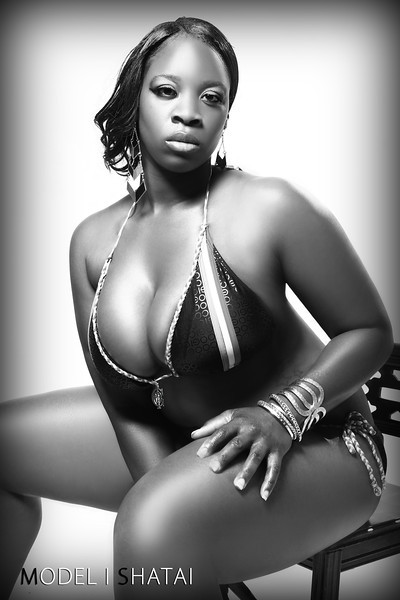 Female model photo shoot of Shatai