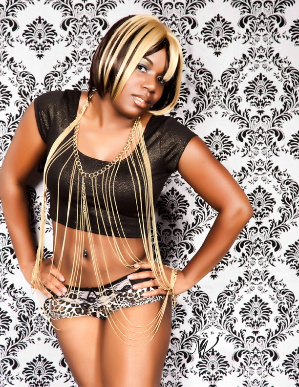 Female model photo shoot of Donna Dee by Myron Vines photography