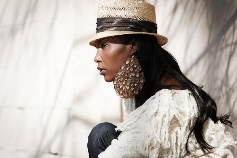 Female model photo shoot of ZeEnna