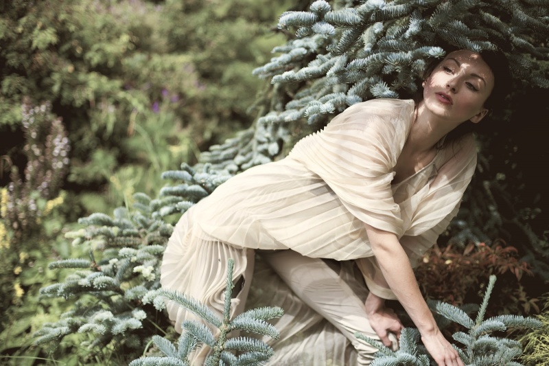 Female model photo shoot of Tumbarius02