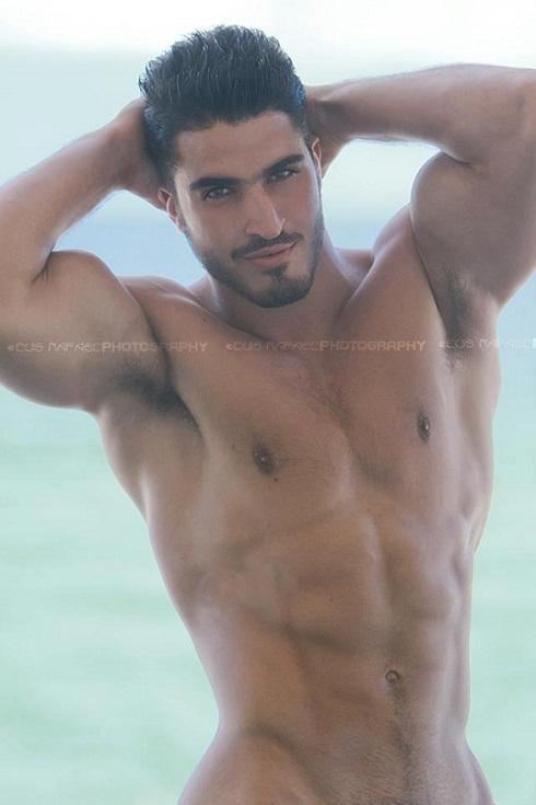 Aug 25, 2012 Luis Raphael
