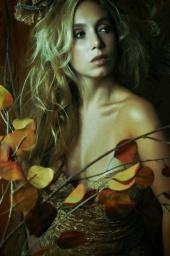 http://photos.modelmayhem.com/photos/120826/19/503adca74ebae_m.jpg