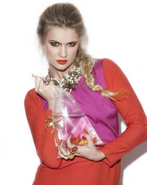Female model photo shoot of Lara Ford