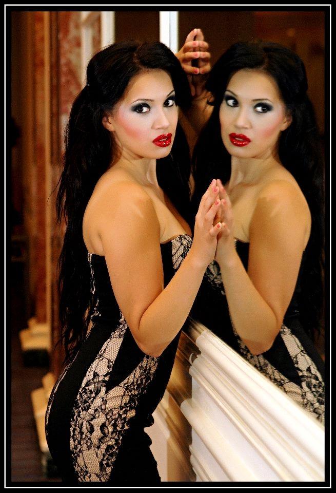 Female model photo shoot of PrettyKittyMakeup