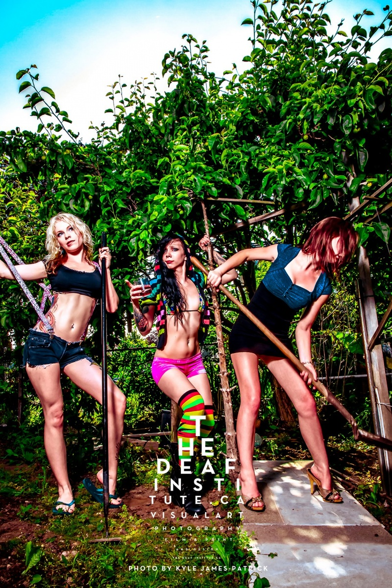Sep 04, 2012 © Kyle James-Patrick of The Deaf Institute Hot Models Bad Gardening
