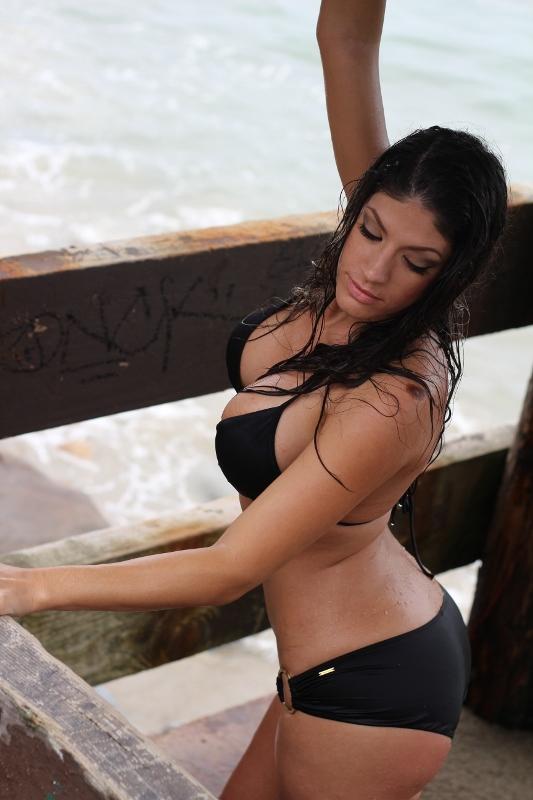 https://photos.modelmayhem.com/photos/120904/21/5046d497a3907.jpg