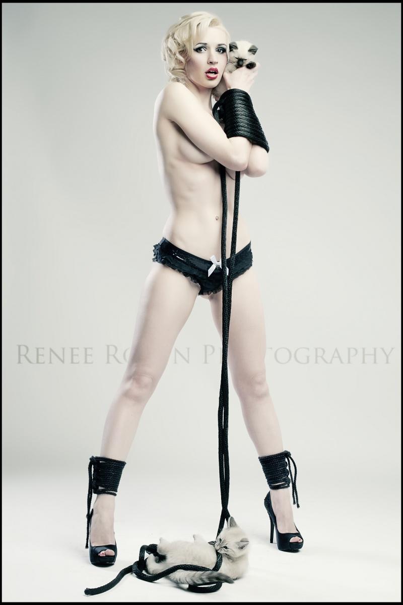 Sep 05, 2012 Renee Robyn