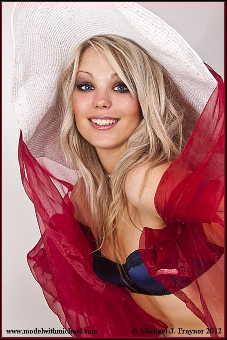 https://photos.modelmayhem.com/photos/120906/15/50491e4b4a781.jpg