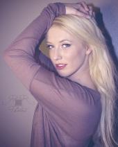 https://photos.modelmayhem.com/photos/120910/23/504edc30e2244_m.jpg