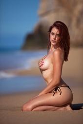 https://photos.modelmayhem.com/photos/120911/07/504f4c27b5dfd_m.jpg