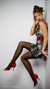 https://photos.modelmayhem.com/photos/120911/07/504f4f0e27687_m.jpg