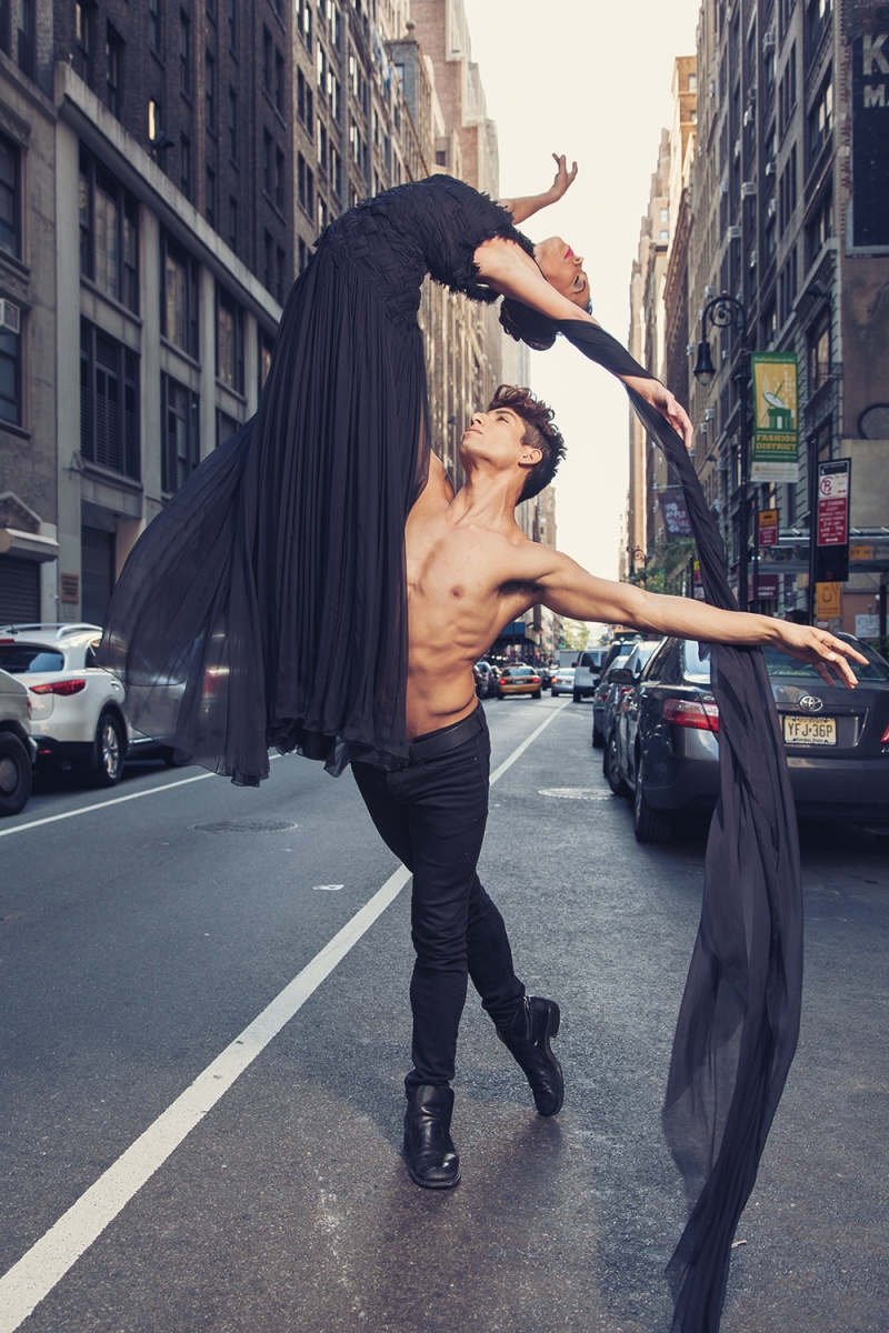 Manhattan - 35th Street between 7th and 8th Sep 15, 2012 Paul Tirado Photography The Dance of Fashion