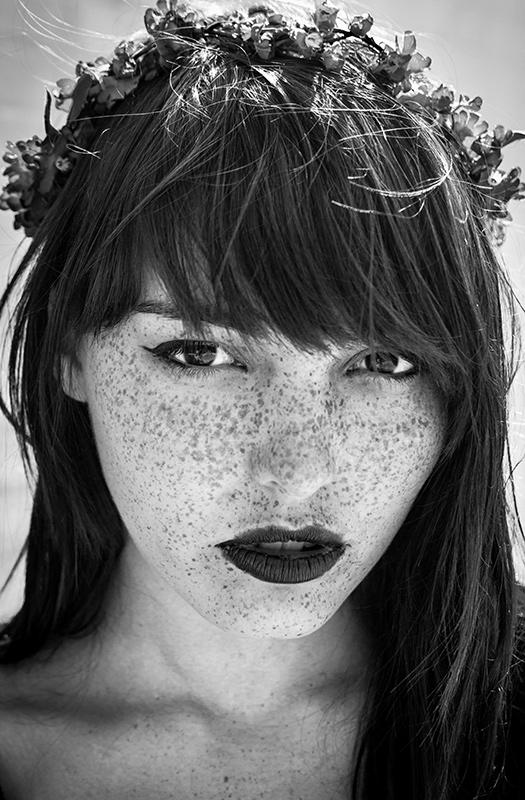 Female model photo shoot of Lizzie Gunst by Matt Forma