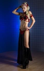 http://photos.modelmayhem.com/photos/120924/11/5060a6137ea1c_m.jpg