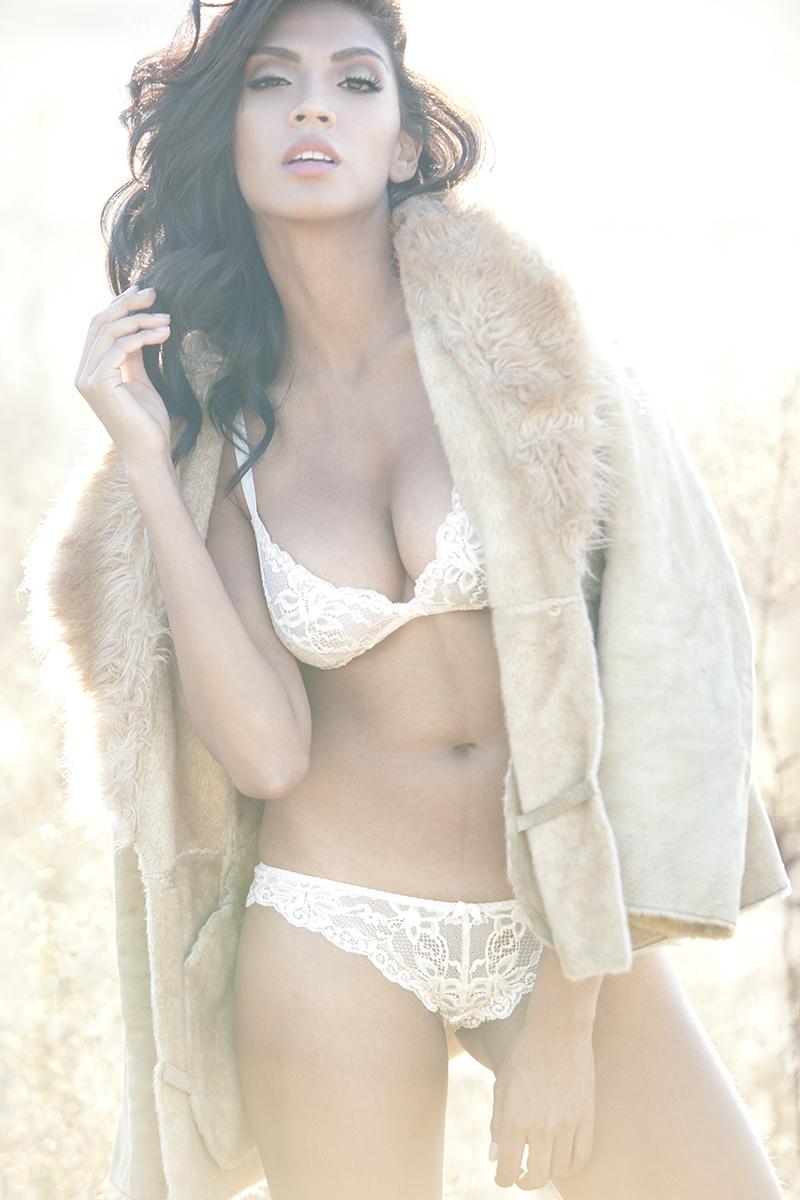 https://photos.modelmayhem.com/photos/120925/20/50627b672ae5b.jpg