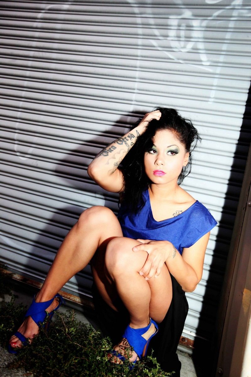 http://photos.modelmayhem.com/photos/120926/07/506311e9e4b17.jpg