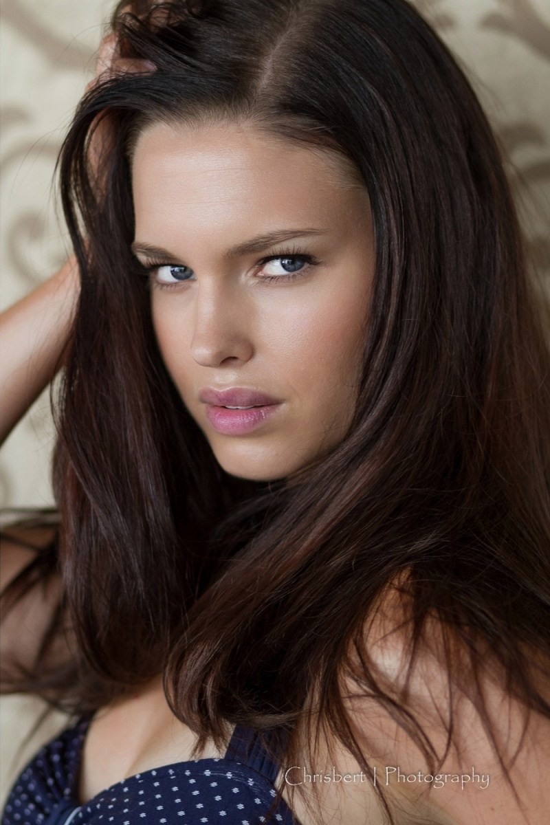 http://photos.modelmayhem.com/photos/120926/19/5063bd4cc0a8f.jpg