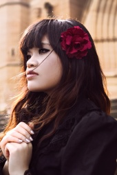 http://photos.modelmayhem.com/photos/120927/23/5065419607e10_m.jpg