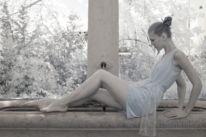 http://photos.modelmayhem.com/photos/120928/13/50660aac166b2.jpg
