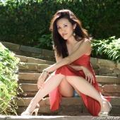 https://photos.modelmayhem.com/photos/120928/19/506661b0cdb6c_m.jpg