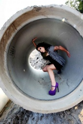 https://photos.modelmayhem.com/photos/120929/10/506736c68d7d5_m.jpg