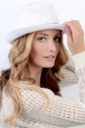http://photos.modelmayhem.com/photos/120930/20/50690906eecaf_m.jpg