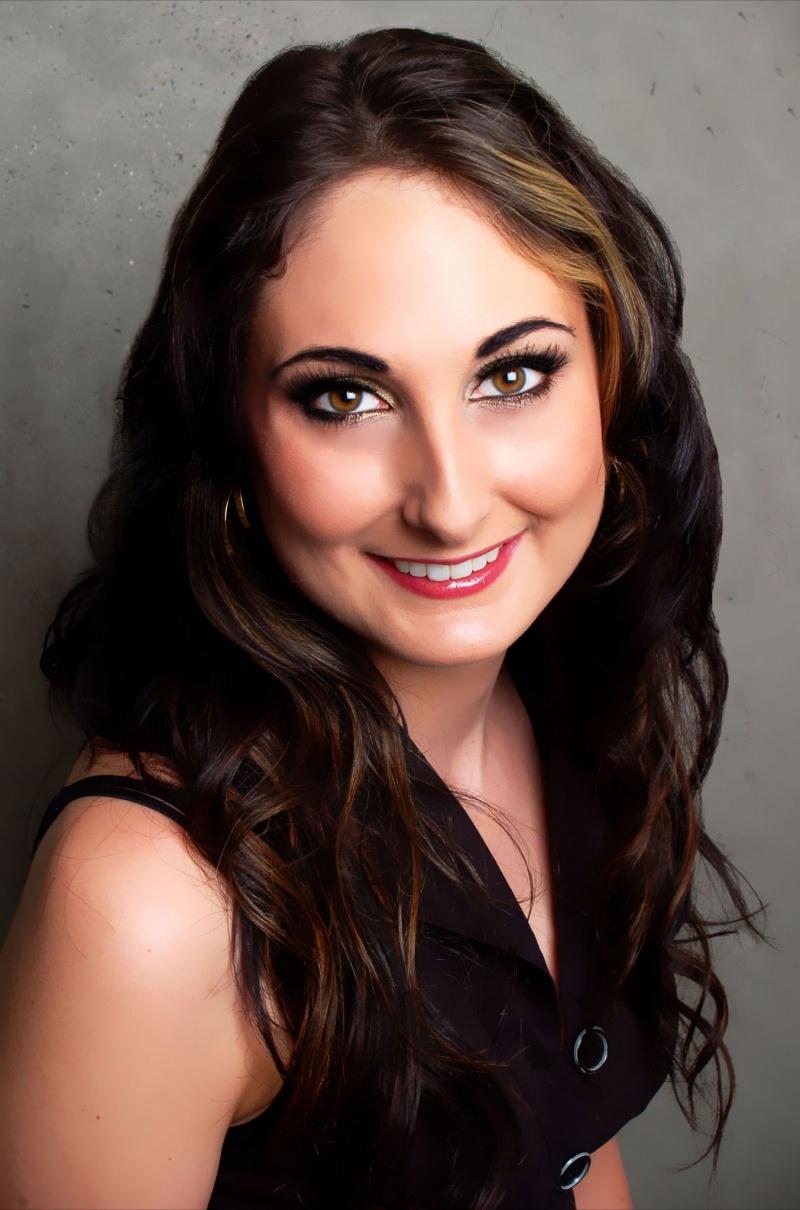 Female model photo shoot of Shannon Watt