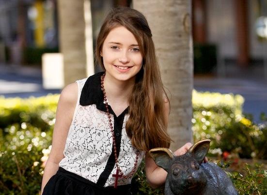 http://photos.modelmayhem.com/photos/121005/04/506ecb464a0e5.jpg