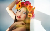 https://photos.modelmayhem.com/photos/121005/15/506f650460f83_m.jpg