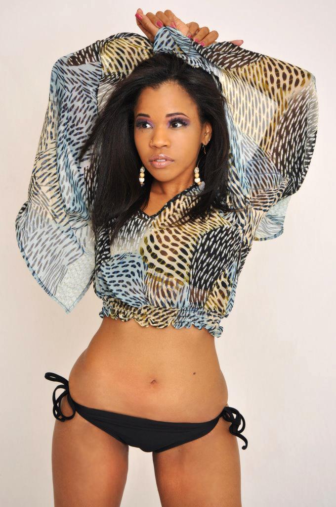Female model photo shoot of Trini Model in Maryland