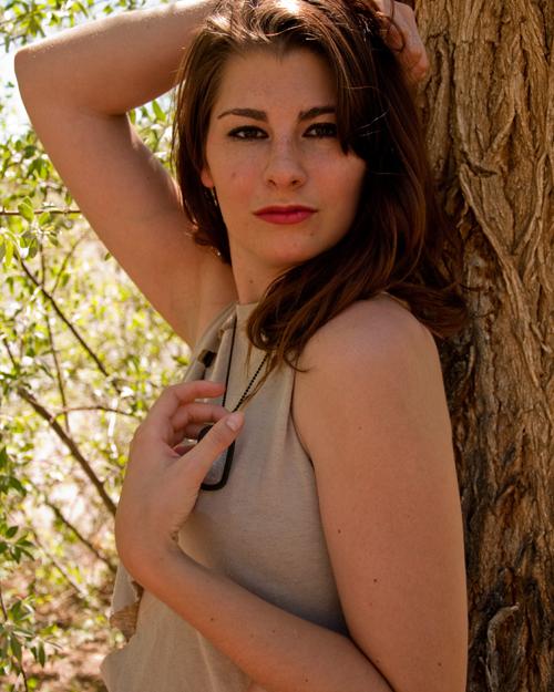 http://photos.modelmayhem.com/photos/121010/18/50761f1be9a0b.jpg