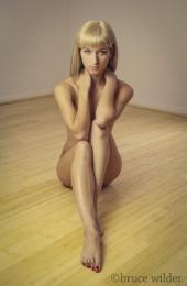http://photos.modelmayhem.com/photos/121012/07/507828b99c406_m.jpg