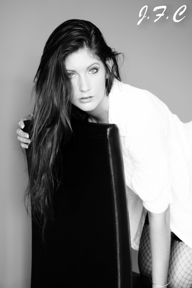 Female model photo shoot of Tashi-Lee