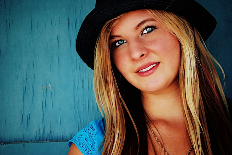 http://photos.modelmayhem.com/photos/121015/08/507c3212b9bbf.jpg