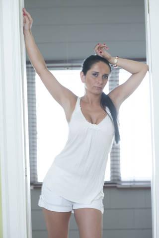 Female model photo shoot of Renata27