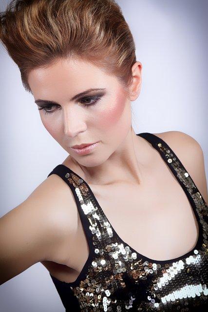 Female model photo shoot of Rini Glam Makeup Artist in Studio Frankfurt