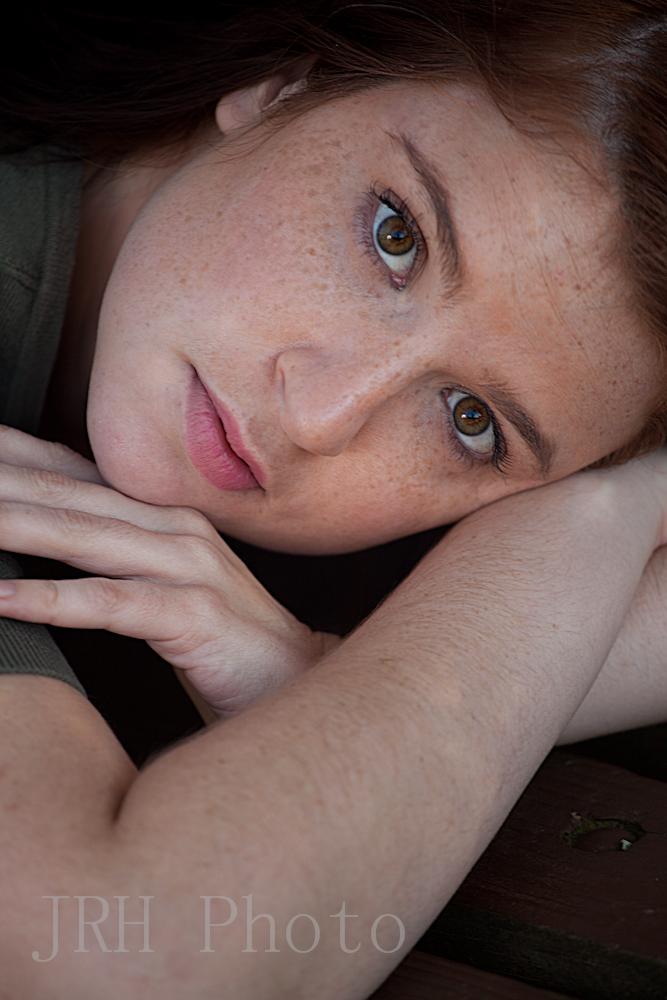 http://photos.modelmayhem.com/photos/121018/10/50804247bfca9.jpg