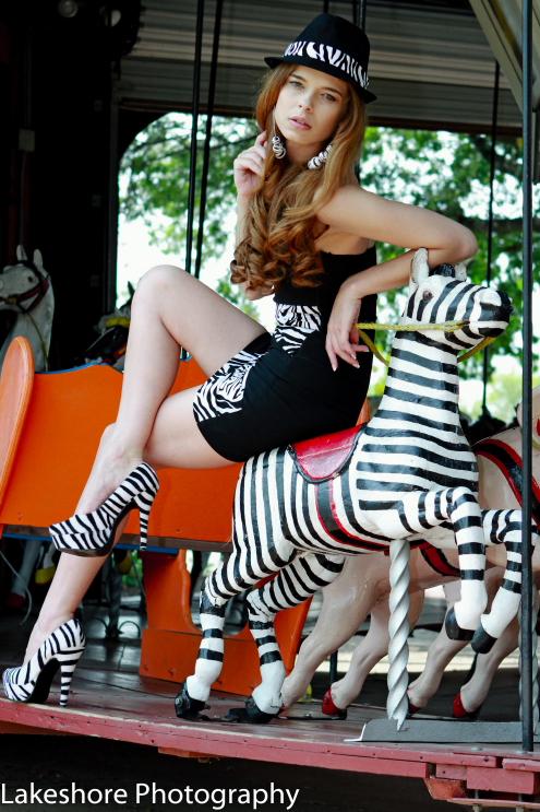 http://photos.modelmayhem.com/photos/121020/10/5082e3e9693e8.jpg