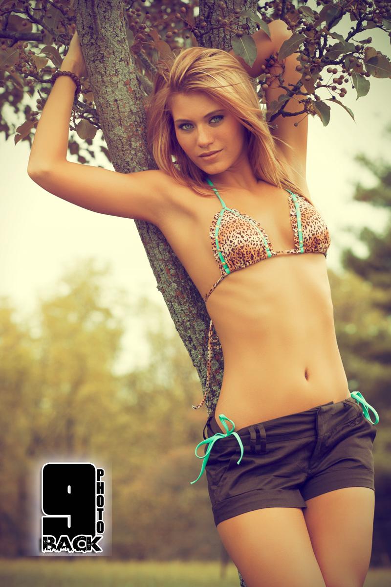 http://photos.modelmayhem.com/photos/121024/06/5087f2e0019fa.jpg