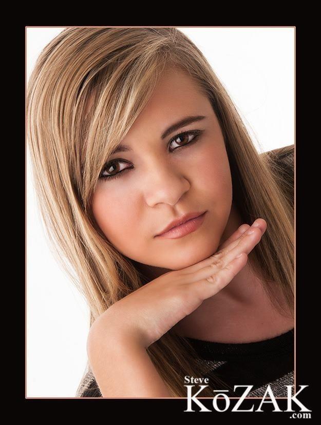 Female model photo shoot of Hannah Henson by Steve Kozak Photography in DFW, makeup by Lisa P