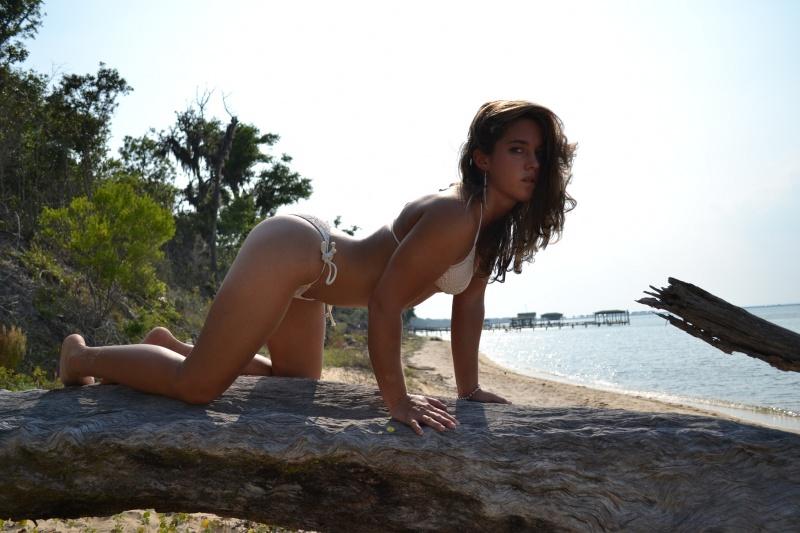 Female model photo shoot of Erin Craft