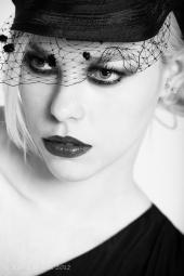 http://photos.modelmayhem.com/photos/121027/04/508bc4a0f35b9_m.jpg