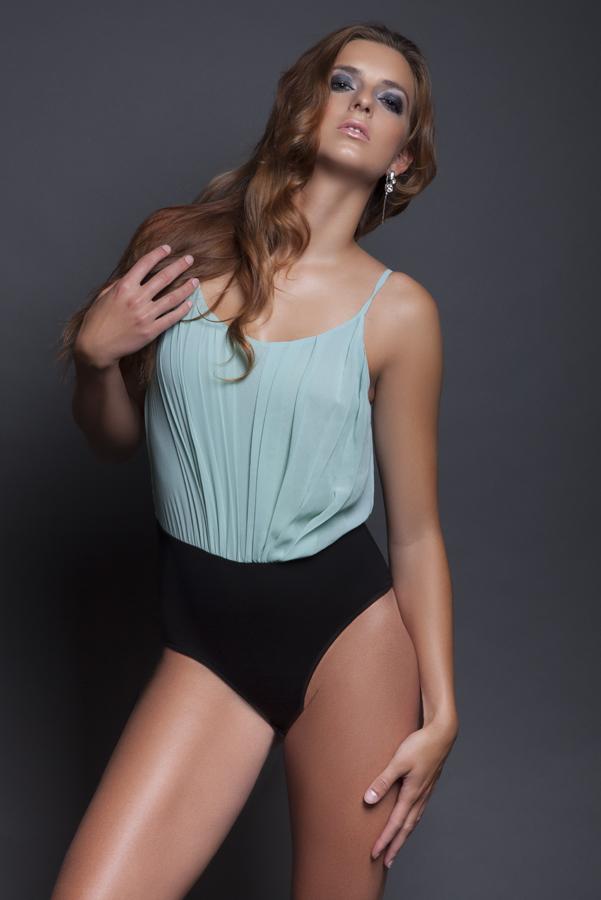 Female model photo shoot of Rini Glam Makeup Artist