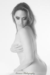 http://photos.modelmayhem.com/photos/121028/17/508dcdd9dbb7f_m.jpg