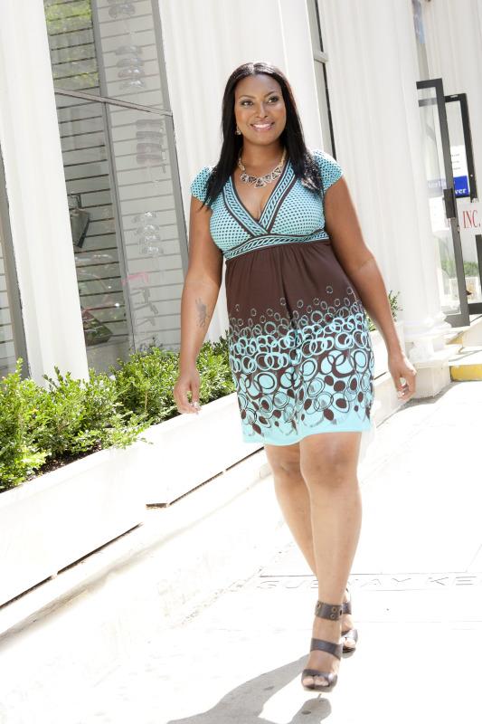 New York, NY Nov 05, 2012 Lesly Pederza Nicole walking in NY