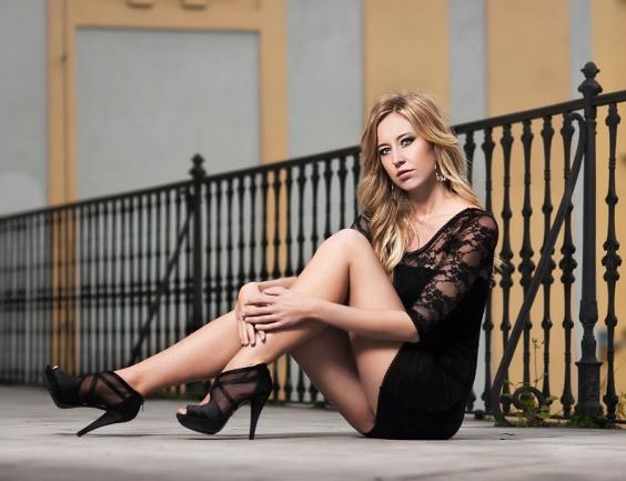 Female model photo shoot of Radee