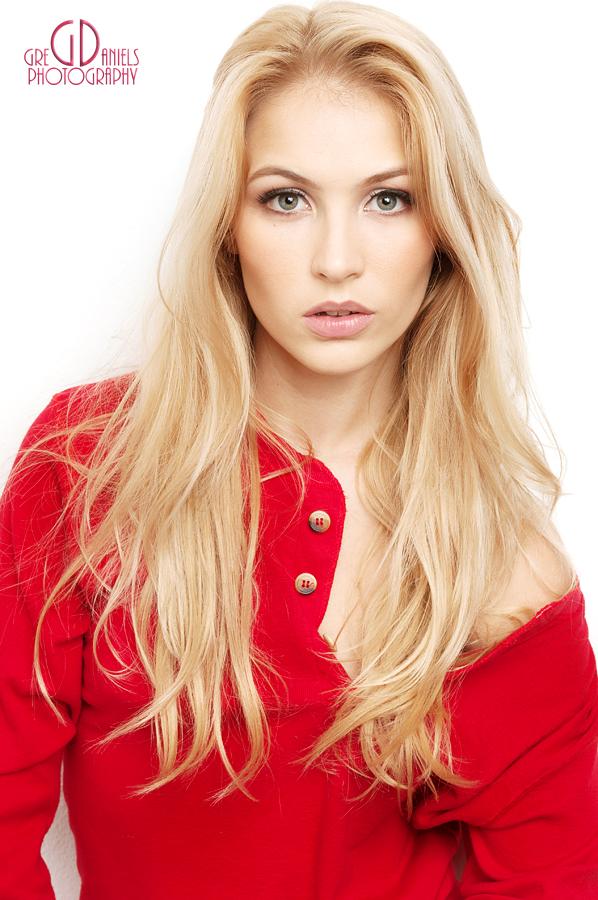 Ryan Lee Female Model Profile - New Bern, North Carolina